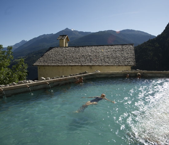 http://www.edenbormio.it/media/menu/00/300/cd/en/images/qc-terme-bagni-nuovi-bormio-9-c-550x470-0.jpg